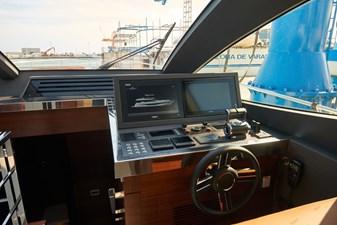 - 5 6_2020 80ft Astondoa 80 Flybridge