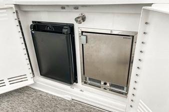 Icemaker / Refrigerator