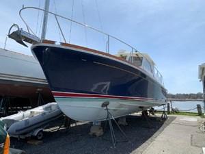 Eviana 4 Eviana 2001 GRAND BANKS Eastbay Hardtop Express Trawler Yacht Yacht MLS #266990 4