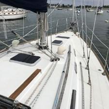 Solo 4 Solo 1986 CAL YACHTS 33 Cruising/Racing Sailboat Yacht MLS #267017 4