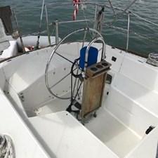 Solo 6 Solo 1986 CAL YACHTS 33 Cruising/Racing Sailboat Yacht MLS #267017 6
