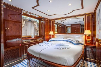 12 VIP Cabin