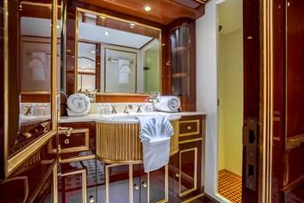 15 Twin Bathroom