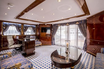 16 Upper Saloon