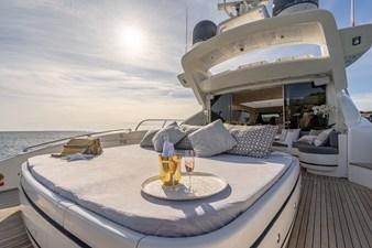 FIVE STARS 6 FIVE STARS 2005 OVERMARINE GROUP 92 Cruising Yacht Yacht MLS #267148 6