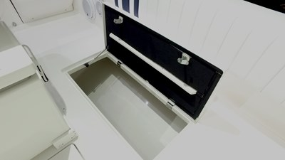 Starboard side Fish box