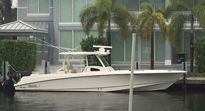 37 Boston Whaler 2011 267162