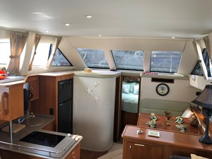 Int Galley & Dinette