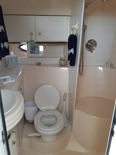 Enclosed Head w/Stall Shower