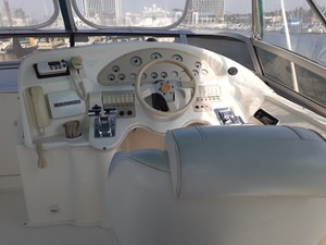 Enclosed Flybridge - Helm
