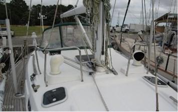 Mast base and dorades