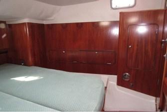 Port storage, aft cabin
