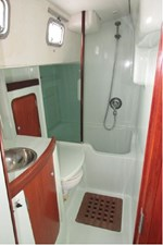 Aft head with separate shower/tub
