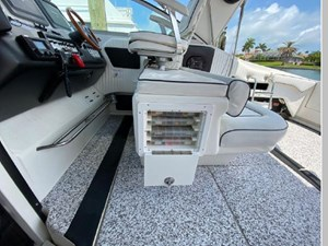 1991 Sea Ray 350 Express Cruiser 17 18