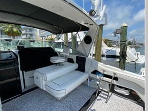 1991 Sea Ray 350 Express Cruiser 28 29