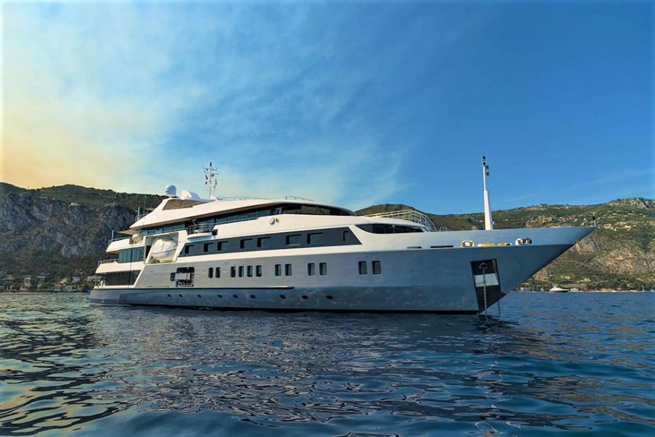 serenity-yacht-photos