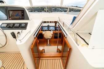 Steps from Flybridge to Pilothouse