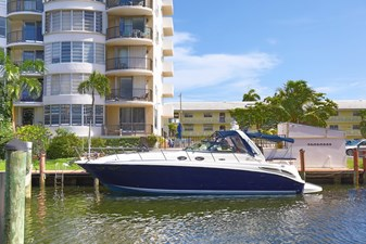 1_2004 40ft Sea Ray 380 Sundancer BAD BOYS
