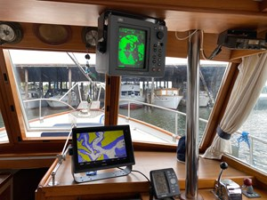 Garmin 1242xsv and JRC 1000 Radar at Lower Helm