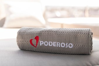 Poderoso Deck Towel