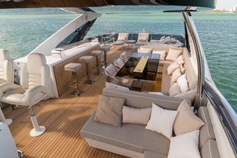 Flybridge loking Aft 3
