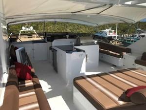MON SHERI 65 Flybridge sunlounge