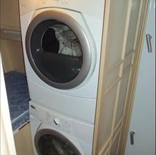 MON SHERI 25 Crew Laundry