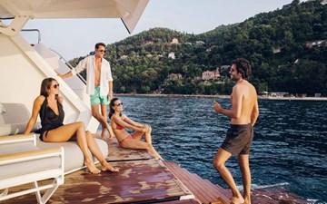 Sirena-Yachts-88-Jeff-Brown-16342-2048x1280