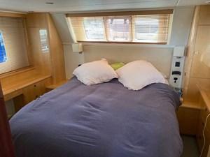 aquastar-430-aft-cabin-14