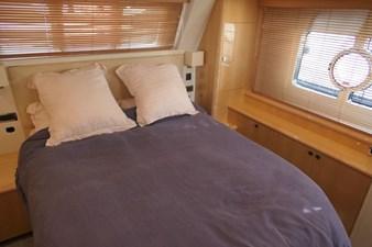 aquastar-430-aft-cabin-15