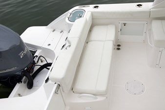 230CX-Transom-Seating-min