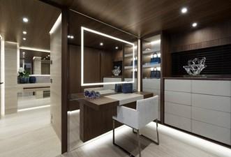 UTOPIA IV 11 Main Deck - Owner Cabin - vanity