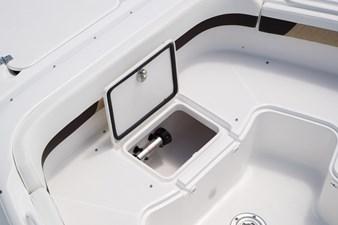 EdgeWater-280cx-Bow-Seating-Insulated-Storage-Box