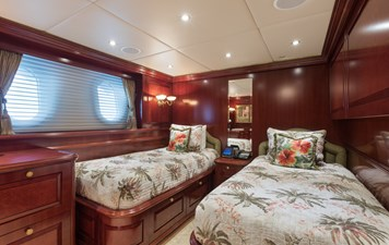 Port Forward Guest Stateroom Twin Berths