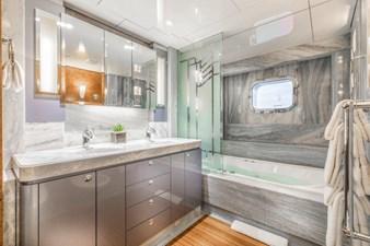 Sapphire Guest Stateroom Bath