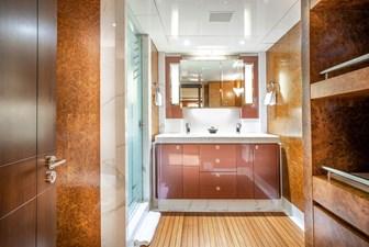 Ruby Guest Stateroom Bath