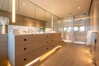 Master cabin en suite bathroom