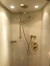 ENIGMA 22 BENETTI TRADITION 2004_TWIN_CABIN_salle de bain