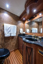 Forward Guest Stateroom Head