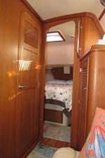 Head, forward cabin, storage