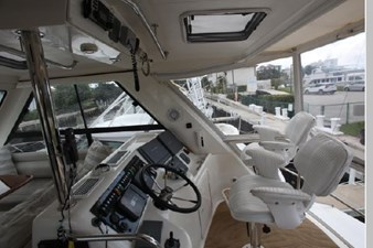 2003 Riviera Flybridge 22 23