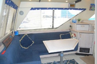 1995 Bayliner 3988 Motoryacht 3 4