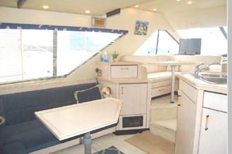 1995 Bayliner 3988 Motoryacht 4 5