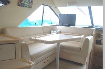 1995 Bayliner 3988 Motoryacht 10 11