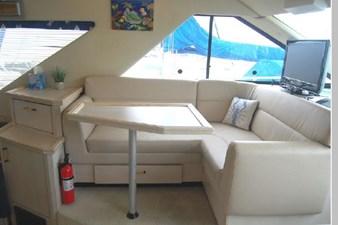 1995 Bayliner 3988 Motoryacht 11 12