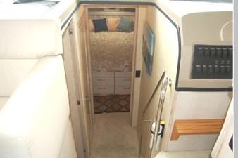 1995 Bayliner 3988 Motoryacht 26 27