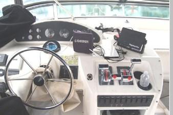 1995 Bayliner 3988 Motoryacht 47 48