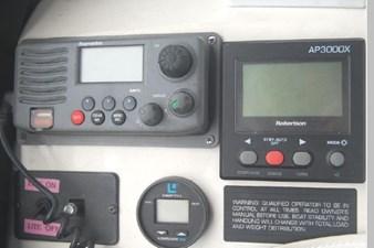 1995 Bayliner 3988 Motoryacht 48 49