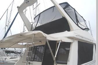 1995 Bayliner 3988 Motoryacht 59 60