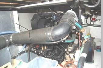1995 Bayliner 3988 Motoryacht 70 71